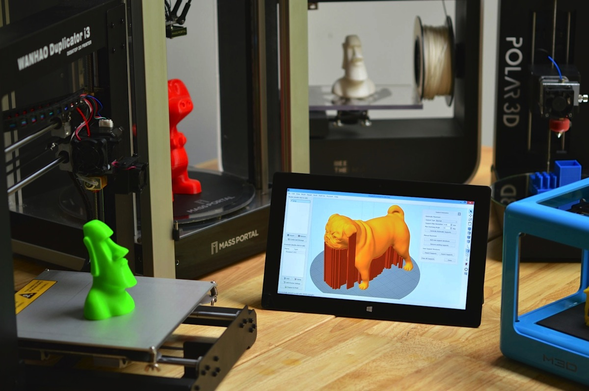 Simplify3D - monitor next to 3D printers